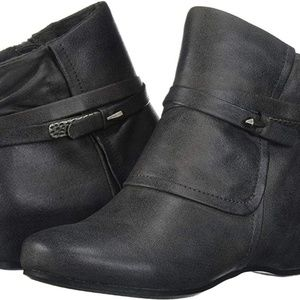 Baretraps Size 10 Ankle Booties Comfy Arch Support